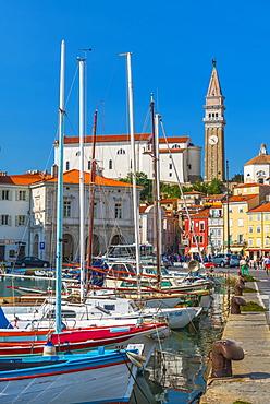 Church of St. George (Cerkev sv. Jurija) in background, Old Town Harbour, Piran, Primorska, Slovenian Istria, Slovenia, Europe