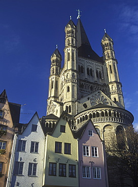 Fischmarkt square and Gross St. Martin church, old town, Cologne, North Rhine-Westphalia, Germany, Europe