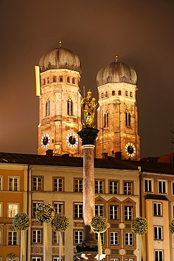 Mariensaeule, Marian Column, Frauenkirche, Cathedral of Our Blessed Lady, Marienplatz, Munich, Bavaria, Germany, Europe