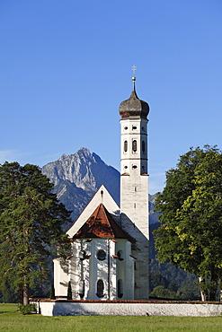 Church of St. Coloman or Colomanskirche, Schwangau, in front of the Tannheimer Mountains, Ostallgaeu, Allgaeu, Schwaben, Bavaria, Germany, Europe