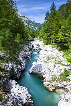 Soca River with crystal clear, turquoise blue water, Soca Valley, Triglav National Park, Kanin Mountains, Julian Alps, Slovenia, Europe