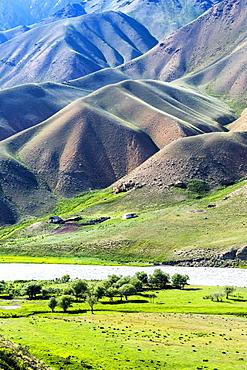 Mountain landscape at Naryn River, Naryn gorge, Naryn Region, Kyrgyzstan, Asia