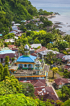 Lonthor with mosque, Banda, Moluccas, Indonesia, Asia