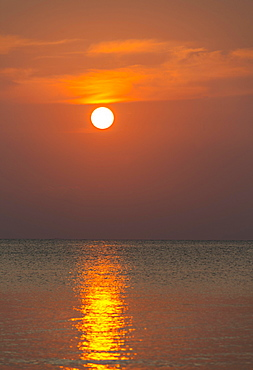 South China Sea at sunset, Gulf of Thailand, Koh Tao island, Thailand, Asia