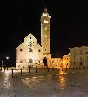 Night scene, west front, Romanesque Cathedral or Trani, 11th century, Trani, Bari, Apulia province, Italy, Europe