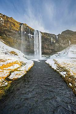 Waterfall Seljalandsfoss in winter, Suourland, South Iceland, Iceland, Europe