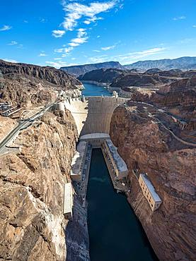 View from the Hoover Dam Bypass Bridge to the dam of the Hoover Dam, Hoover-Dam, Colorado River, Lake Mead, Arizona, Nevada, USA, North America