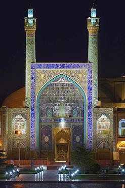 Masjed-e Imam Mosque at night, Maydam-e Iman square, Esfahan, Iran, Asia