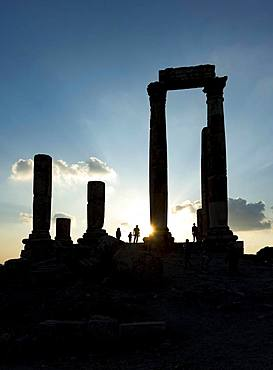 Ruins in the backlight, temple of Hercules, Amman Citadel, Amman, Jordan, Asia