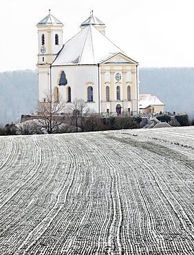 Pilgrimage church Marienberg in winter, Burghausen, Upper Bavaria, Bavaria, Germany, Europe