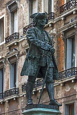 Monument by Carlo Goldoni, 1707-1793, Italian comedy poet, Venice, Veneto, Italy, Europe