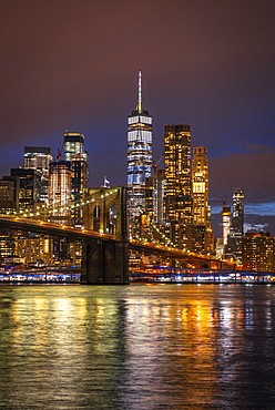 View from Main Street Park at night over the East River to the skyline of lower Manhattan, Brooklyn Bridge, Dumbo, Downtown Brooklyn, Brooklyn, New York, USA, North America