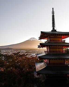 Chureito pagoda at sunset, Fujiyoshida-Shi, Japan, Asia