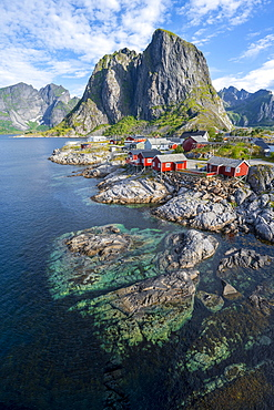 Rorbuer, typical wooden houses, Hamnoy, Reinefjord with mountains, Moskenes, Moskenesoey, Lofoten, Norway, Europe