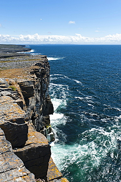 Atlantic cliffs, Dun Aonghasa or Dun Aengus, Arainn Mhor or Inis Mor or Inishmor, Aran Islands, County Galway, Ireland, Europe