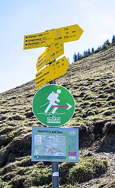 Signpost in the mountains, hiking trail to Breitenstein, Fischbachau, Bavaria, Germany, Europe