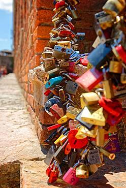 Padlocks as a sign of solidarity on the Ponte Scaligero bridge, Verona, Veneto, Italy, Europe