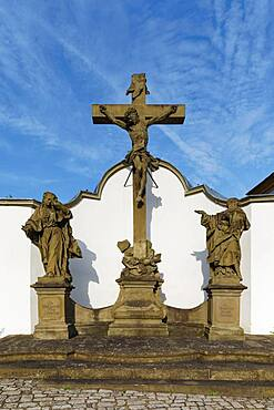 Crucifixion group, depiction of Virgin Mary, Jesus and Johannes, Wiesentheid, Lower Franconia, Franconia, Bavaria, Germany, Europe