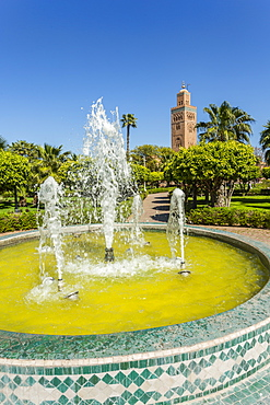 View of Koutoubia Mosque and fountain in Parc Lalla Hasna during daytime, Marrakesh, Morocco, North Africa, Africa