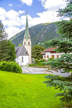 View of Pfarrkirche, Catholic Church in the town centre, Mayrhofen, Tyrol, Austria, Europe