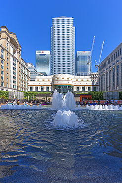 View of Canary Wharf tall buildings and fountains, Docklands, London, England, United Kingdom, Europe