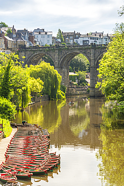 View of Knaresborough viaduct and the River Nidd with town houses in the background, Knaresborough, North Yorkshire, England, United Kingdom, Europe