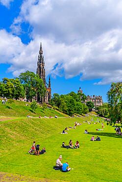 View of East Princes Street Gardens and Scott Monument, Edinburgh, Scotland, United Kingdom, Europe