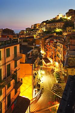 Via Colombo at dusk, Riomaggiore, Cinque Terre, UNESCO World Heritage Site, Liguria, Italy, Mediterranean, Europe