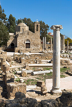 Agia Kyriaki (columns of early Christian Basilica) and the church of Panagia Chrysopolitissa, Paphos, UNESCO World Heritage Site,  Cyprus, Europe