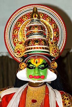 Kathakali Dancer, Kochi (Cochin), Kerala, India, Asia