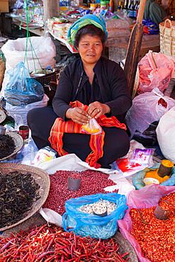 Spice seller at local market, Nampan, Inle Lake, Shan State, Myanmar (Burma), Asia