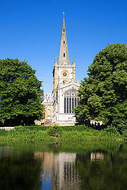 Holy Trinity Church, Shakespeare's burial place, on the River Avon, Stratford-upon-Avon, Warwickshire, England, United Kingdom, Europe