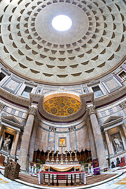 Interior church of St. Mary of the Martyrs and cupola inside the Pantheon, UNESCO World Heritage Site, Piazza della Rotonda, Rome, Lazio, Italy, Europe