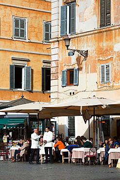 Outdoor cafe, Piazza Santa Maria in Trastevere, Rome, Lazio, Italy, Europe