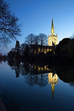 Holy Trinity Church on the River Avon at dusk, Stratford-upon-Avon, Warwickshire, England, United Kingdom, Europe