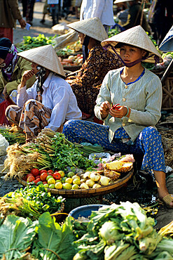 Local produce market, Hue, North Central Coast, Vietnam, Indochina, Southeast Asia, Asia