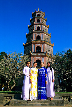 Thien Mu Pagoda (Pagoda of the Heavenly Lady) with local girls, Hue, UNESCO World Heritage Site, North Central Coast, Vietnam, Indochina, Southeast Asia, Asia