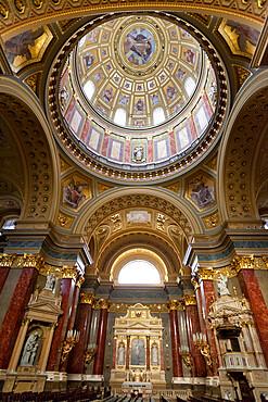 Interior and dome, St. Stephen's Basilica (Szent Istvan Bazilika), UNESCO World Heritage Site, Budapest, Hungary, Europe