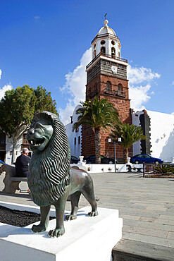 Main square and Church of Our Lady of Guadalupe, Teguise, Lanzarote, Canary Islands, Spain