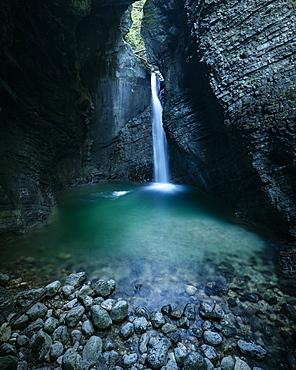 Kobarid waterfall, Kobarid, Caporetto, Gorizia, Triglav National Park, Upper Carniola, Slovenia, Europe