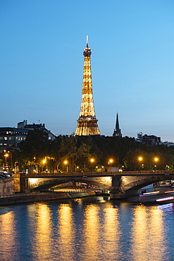 Eiffel Tower and River Seine at twilight, Paris, Ile-de-France, France, Europe