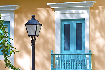 Puerto Rico, Old San Juan, House and street lamp