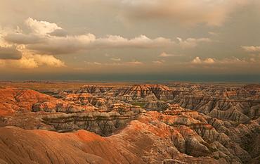 USA, South Dakota, Mountains at sunset in Badlands National Park