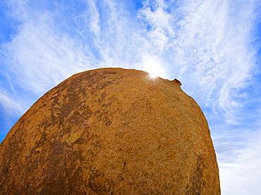 USA, California, Joshua Tree National Park, Boulder with sunny sky, USA, California, Joshua Tree National Park