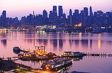 USA, New York State, New York City, Docks and skyline seen from New Jersey