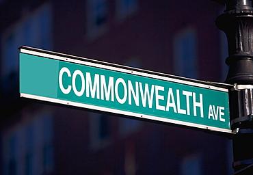 USA, Massachusetts, Boston, Commonwealth Avenue sign
