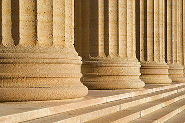 USA, Pennsylvania, Philadelphia, close-up of Philadelphia Museum Of Art colonnade