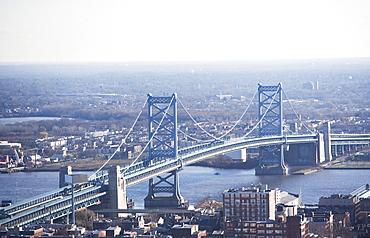 USA, Pennsylvania, Philadelphia, cityscape with Ben Franklin Bridge
