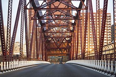 Front view of bridge, New York City