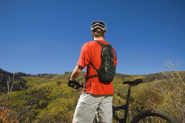 Man with mountain bike, Utah, United States